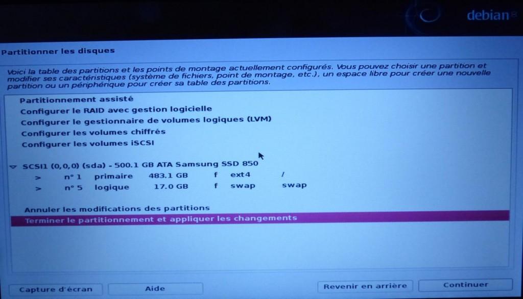 Partitionnement automatique du disque (oui, oui, il m'a foutu 17 GB de swap ^^)